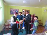 Активисты Кош-Агачского района поздравили ветерана Великой Отечественной войны